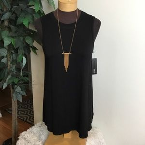 . ⭐️ AGB Black size medium Tank with necklace NWT